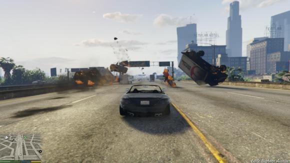 Carros explodem no mod de acelerar carros do GTA V